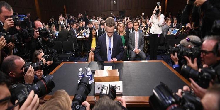 Mark Zuckerberg présente ses excuses devant les sénateurs américains (photos)