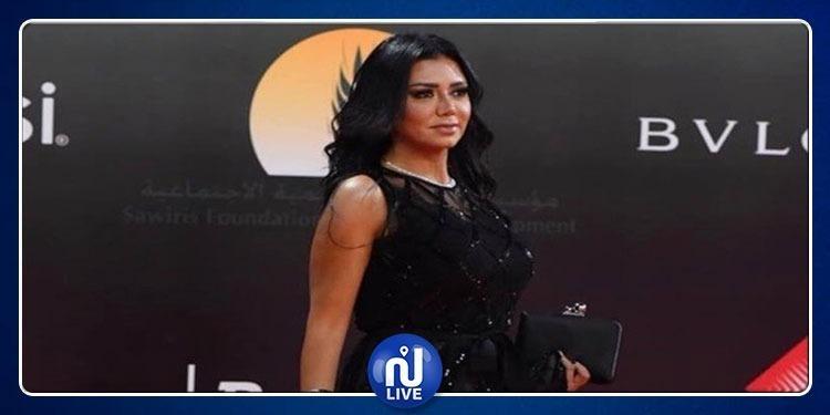 مصر: سؤال في ورقة امتحان للطلبة عن فستان رانيا يوسف 'الفاضح' (صور)