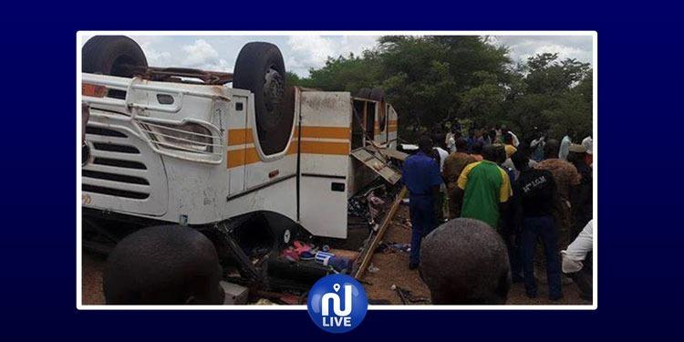 موريتانيا: عشرات القتلى والجرحى في حادث سير مروّع