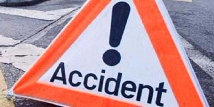 نابل: وفاة 3 أشخاص إثر إصطدام سيارة خفيفة بلواج