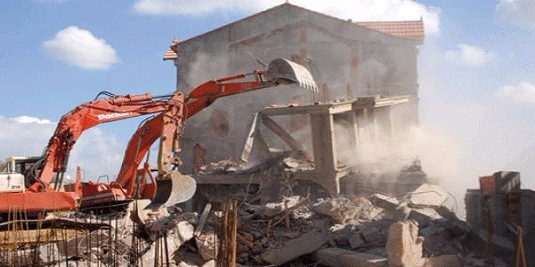 العاصمة: إصدار قرار هدم مبنى شركتين رغم وقف تنفيذه سنة 2009 والعمال يحتجون