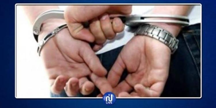 القيروان: القبض على شاب نفذ براكاج لـ 3 سواح أجانب