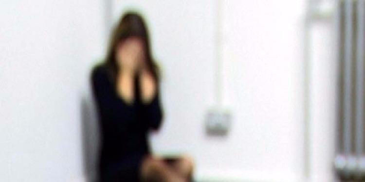 العمران: كهل يعمل موظفا باحدى الوزارات يحتجز طالبة ويغتصبها