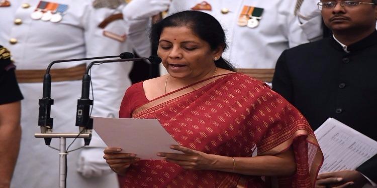 الهند: لأول مرة في تاريخ البلاد امرأة تتولى منصب وزيرة للدفاع
