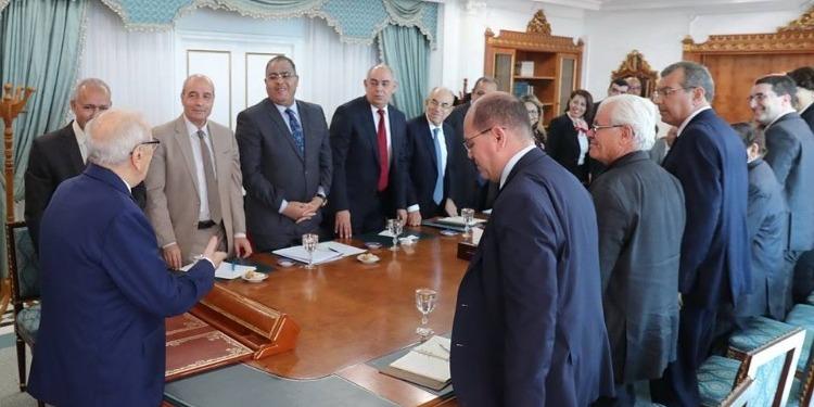 الإجتماع الأول للجنة وثيقة قرطاج بإشراف رئيس الجمهورية (صور)