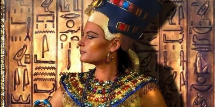 إعادة الحياة لوجه أجمل النساء فى التاريخ الملكة الفرعونية ''نفرتيتى'' (صور)