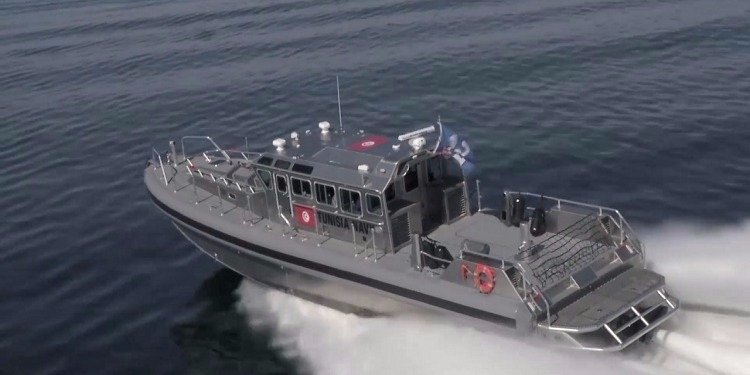 جيش البحر ينقذ 9 تونسيين بسواحل جرجيس كانوا بصدد محاولة الهجرة غير الشرعية
