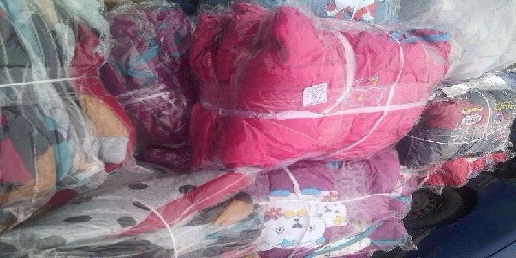 صفاقس: حجز كميات كبيرة من الملابس المهربة بأحد المحلات بالمدينة العتيقة (صور)