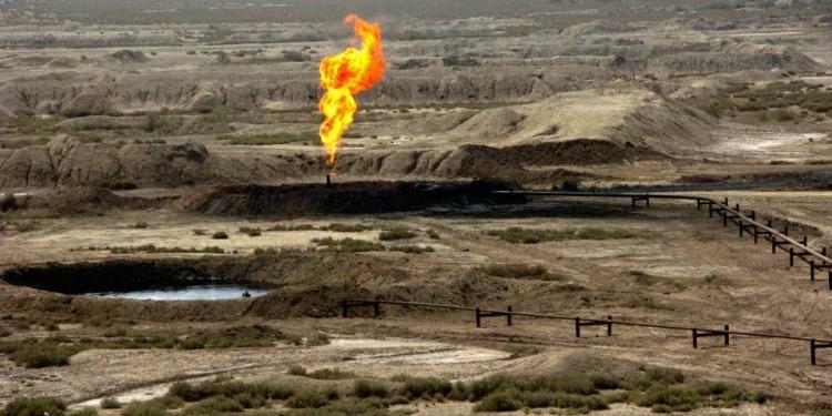 شركة نفطية صهيونية تواصل العمل مع إيران سرّا