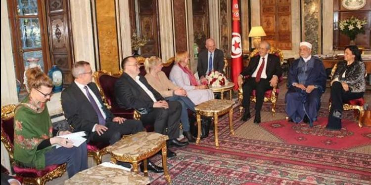 محمد الناصر يستقبل 'كلوديا روث' ويؤكد عمق التعاون بين تونس وألمانيا