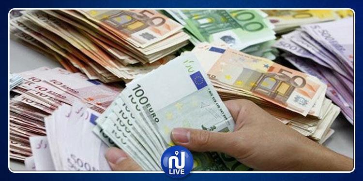 إماطة اللثام عن شبكة متورطة في تهريب العملة الأجنبية