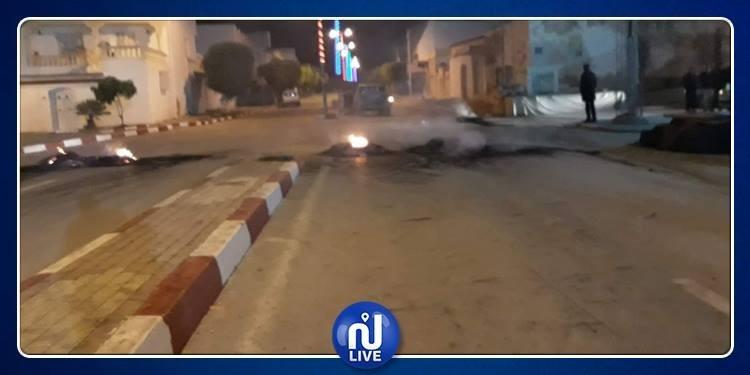 المنستير: غلق الطريق الرابطة بين الوردانين و سيدي عامر