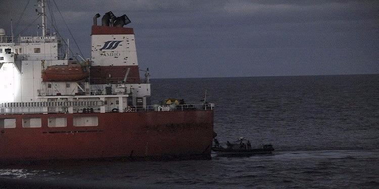 قراصنة صوماليون يفرجون عن ناقلة نفط مخطوفة
