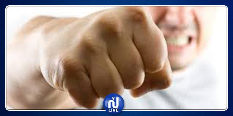 معركة بالأيدي واللكمات بسبب 'وجبة غداء' (فيديو)