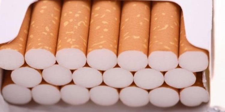 بعد عملية مطاردة...الديوانة تحجز  3 آلاف علبة سجائر و450 علبة معسّل مهربة