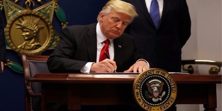ردا على مرسوم ترامب: إيران تواصل عدم منح تأشيرات دخول للأمريكيين