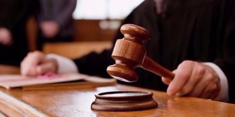 قبلي: المحامون يمنعون انعقاد الجلسة  بالمحكمة الابتدائية