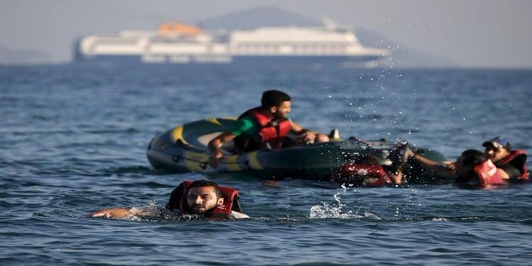 11 قتيلا في غرق مركب يقل مهاجرين قبالة تركيا