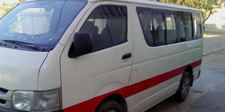 القيروان: 5 أشخاص يعنّفون سائق سيارة أجرة ''لواج'' بالعصي والآلات الحادة