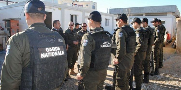 والي جندوبة يؤدّي زيارة تفقّد للوحدات الأمنية (صور)