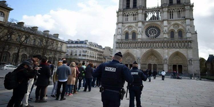حادث كاتدرائية نوتردام: شرطة باريس تصنّف الحادث بالعمل الإرهابي
