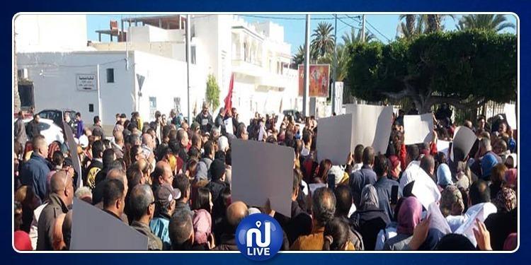 مسيرات احتجاجية للأساتذة بباجة وقفصة والتصعيد وارد