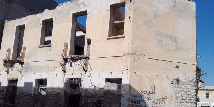 قابس : هدم 6 بنايات قديمة متداعية للسقوط