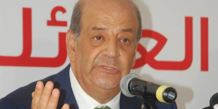 خاص: رؤوف الخماسي يسجل ارتياحه لإقالة محمد صالح بن عيسى