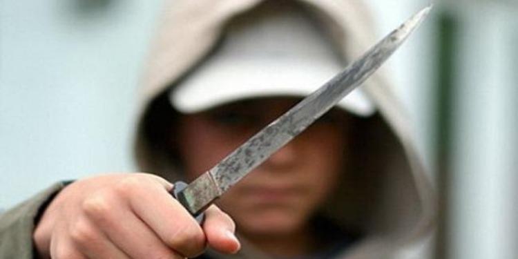 القبض على شاب تورط في 15 عملية سطو مسلح بواسطة سيف