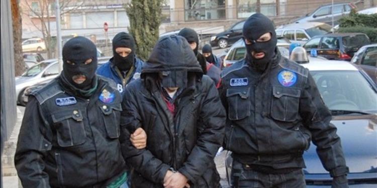 اعتقال 45 عضوا في أخطر مافيات إيطاليا