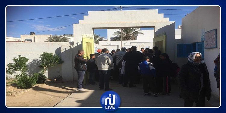 أولياء يرفضون عودة أبنائهم لقاعات الدرس بإحدى مدارس سيدي بوزيد!