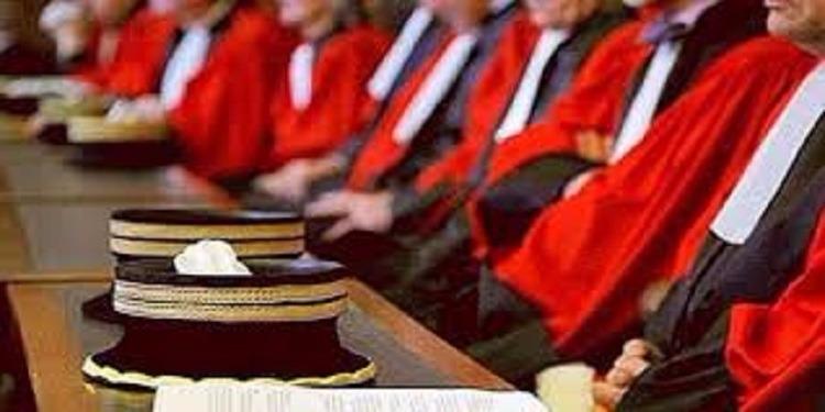 القصرين: قضاة المحكمة الابتدائية يدخلون في اضراب عام حضوري بدعوة من جمعية القضاة