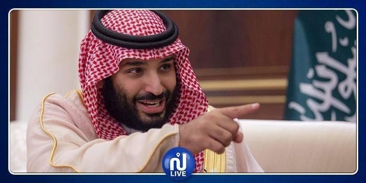 جدل واسع بعد ''صعود'' ولي عهد السعودية فوق الكعبة (فيديو)