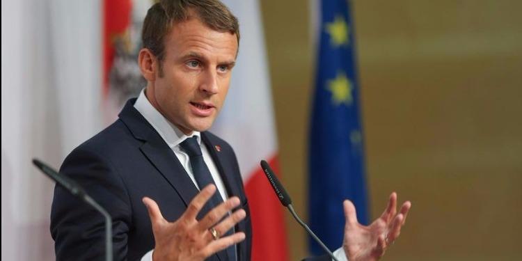 الرئيس الفرنسي يعد بدعم مهاجري ليبيا وإعادتهم إلى بلدانهم