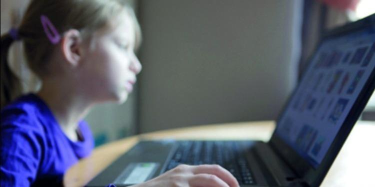 الانتهاء من مسودة مشروع الإستراتجية الوطنية لوقاية الأطفال من وسائل الاتصال الحديثة