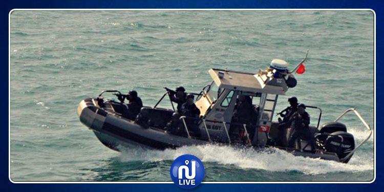 جيش البحر يوقف 5 أجانب كانوا يعتزمون دخول الأراضي التونسية