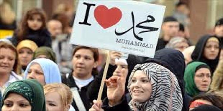 دراسة بريطانية: الإسلام سيصبح الديانة الأولى في العالم