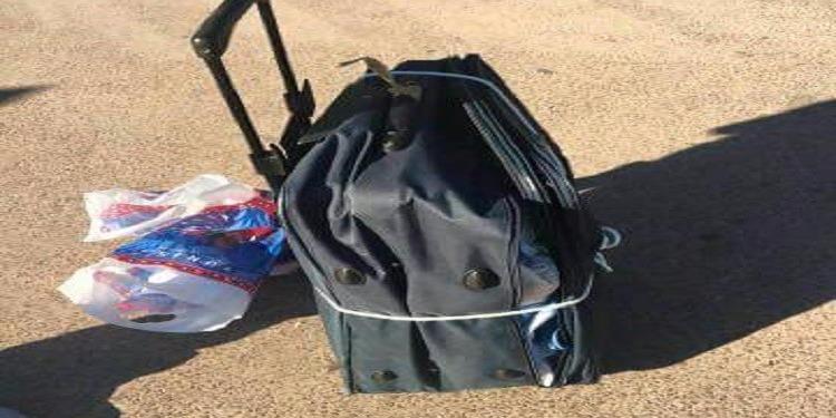 في رحلة بين تونس و ليون: افرغوا محتويات حقيبته وربطوها بحبل (صور)