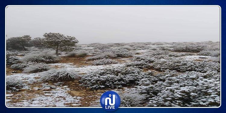 بداية تساقط الثلوج بالمرتفعات الغربية (صور+فيديو)