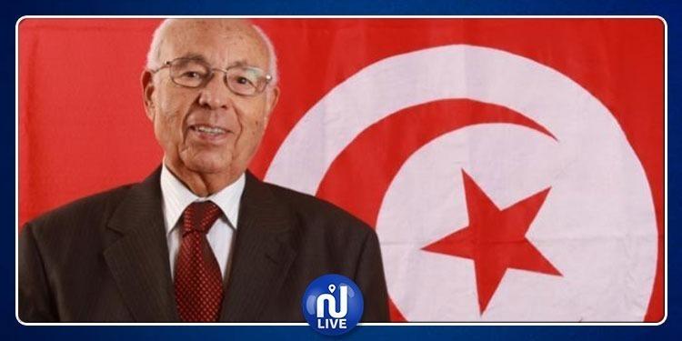 القروي الشابي يسلم الرئيس اللبناني دعوة لحضور القمة العربية بتونس