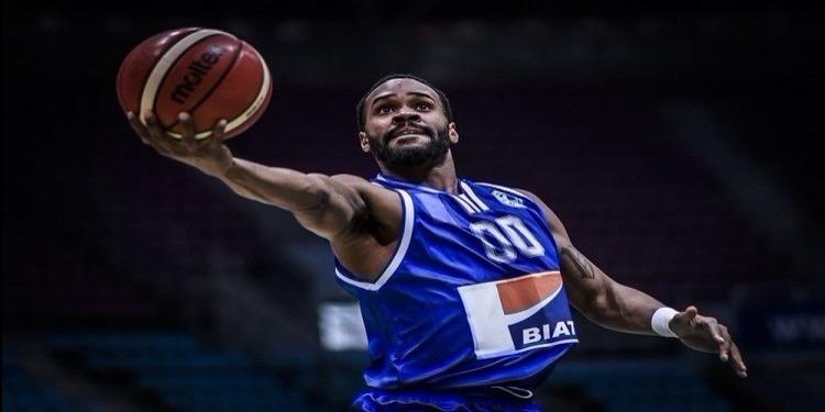 الاتحاد المنستيري: لاعب كرة السلة كايل فينالس يمدد عقده لموسمين