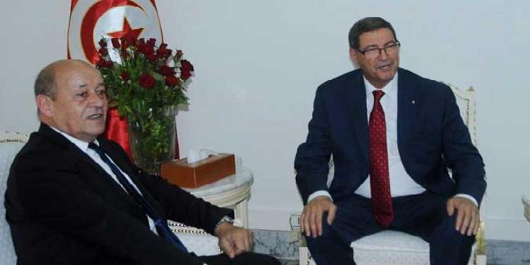 فرنسا تتعهد بدعم التعاون العسكري مع تونس في المجال الاستخباراتي وفي تجهيز القوات الخاصة وتدريبها