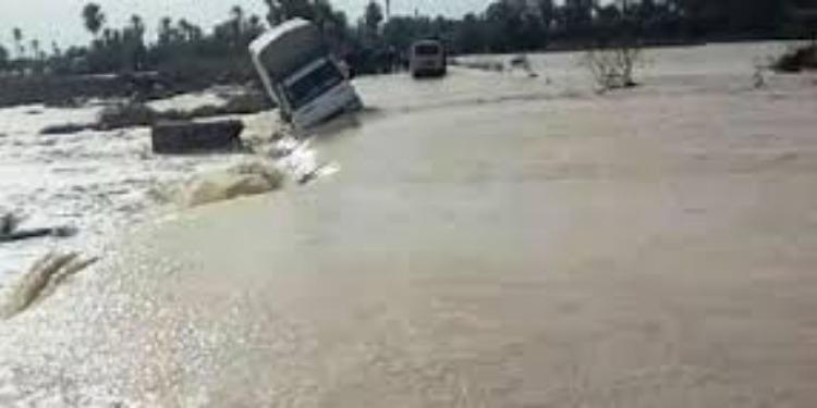 Crue de l'Oued R'sam: Trafic interrompu sur la route nationale n°18