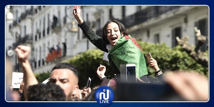 الجزائريون يتظاهرون ضد ''الباءات الثلاث''
