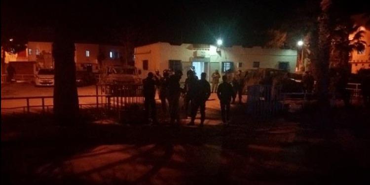 حي إبن خلدون: ملثمون يهاجمون مقر المعتمدية ومركز الأمن بالمولوتوف