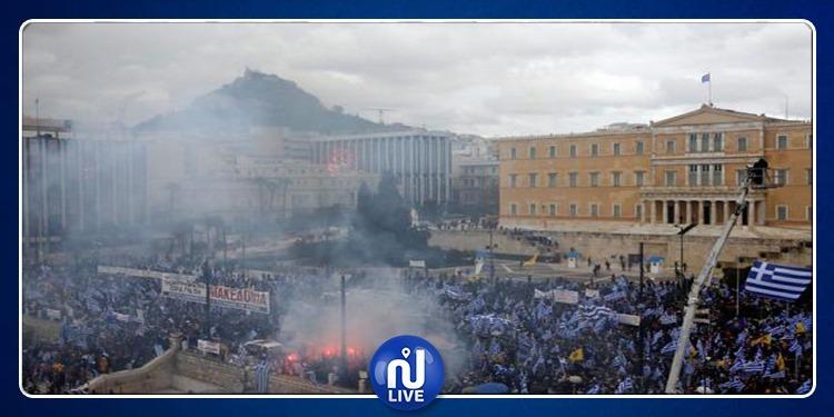 اليونان: مظاهرات عارمة في العاصمة آثينا والشرطة تستعمل الغاز