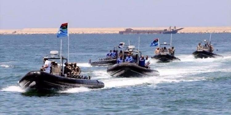 مصرع 8 مهاجرين وفقدان العشرات قبالة سواحل ليبيا