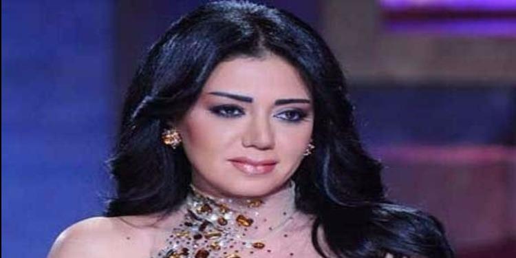 رانيا يوسف تتعرض للتحرش في مكان عام