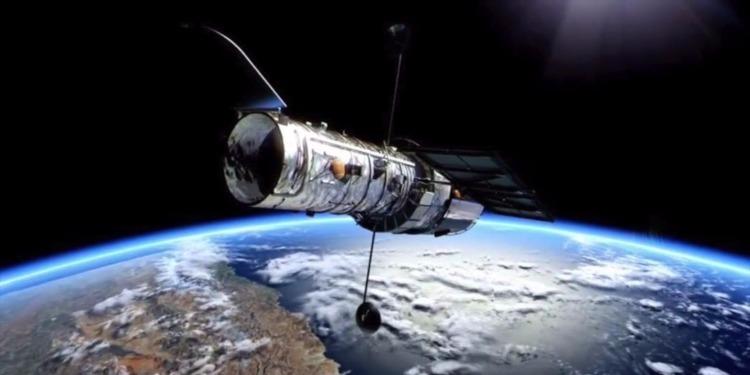 صنع أول تلسكوب في العالم بحثا عن كائنات فضائية
