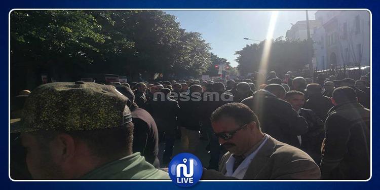 يوم غضب وطني للأساتذة.. مسيرة.. وقفة إحتجاجية ومطالب مرفوعة (صور)